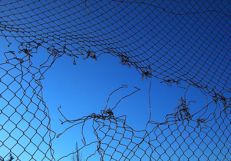 rete con strappo